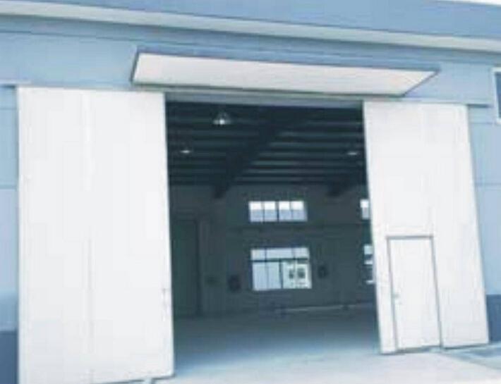 平移式工业门